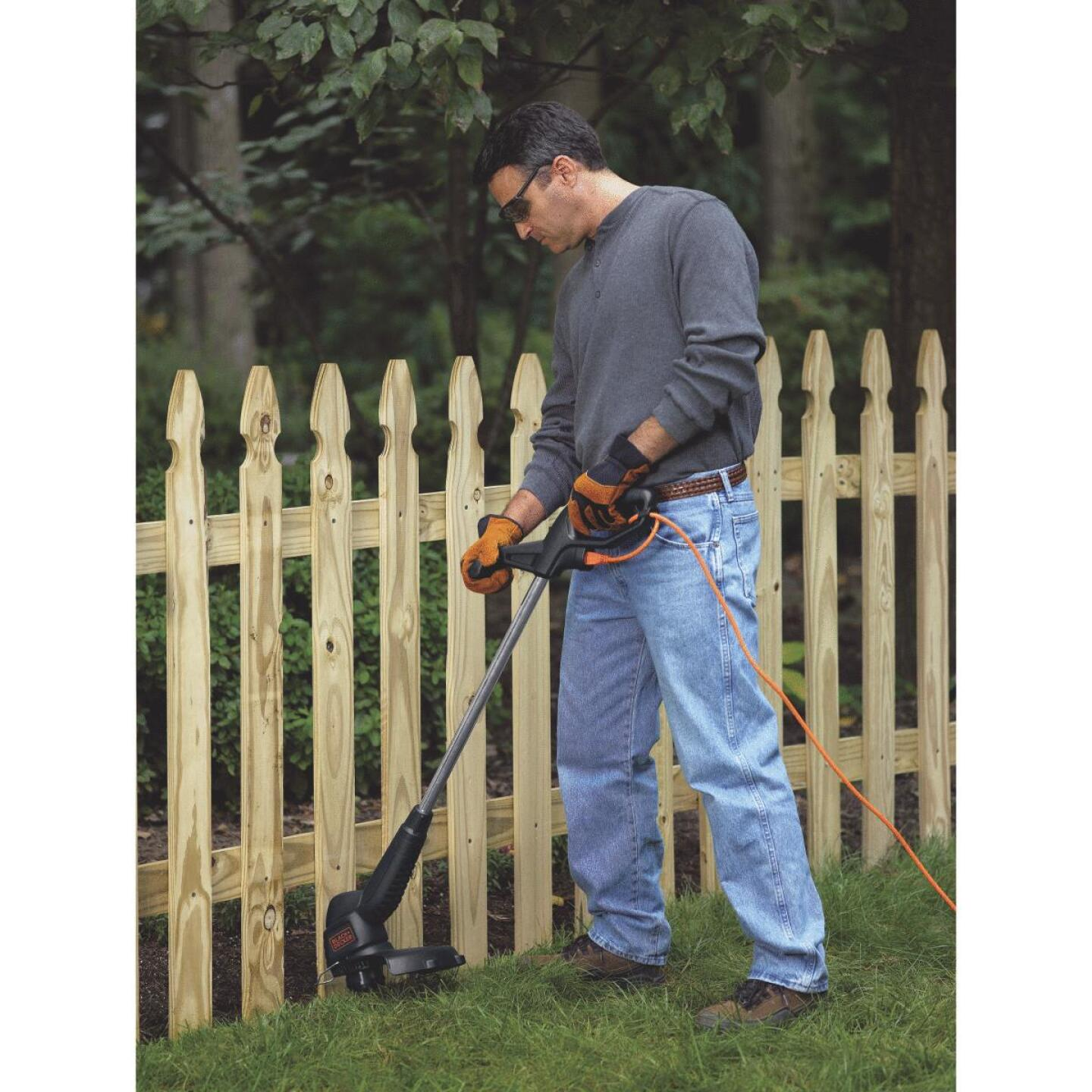 Black & Decker 12 In. 3.5-Amp Corded Electric String Trimmer Edger Image 5